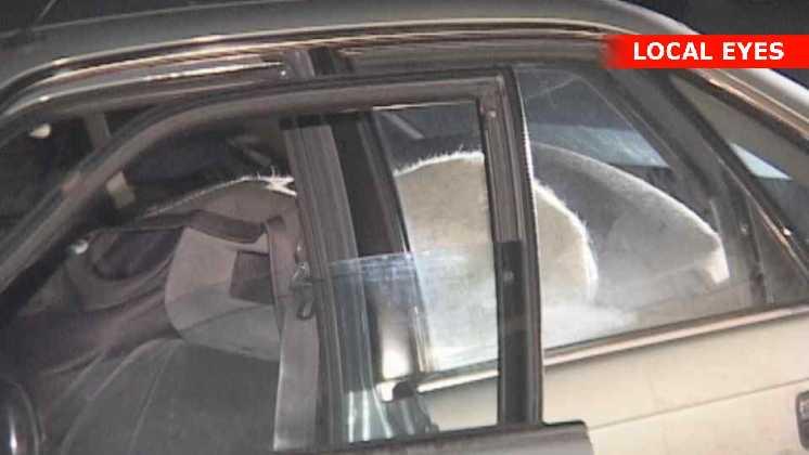 Politiet stopper flugtbil lastet med khat