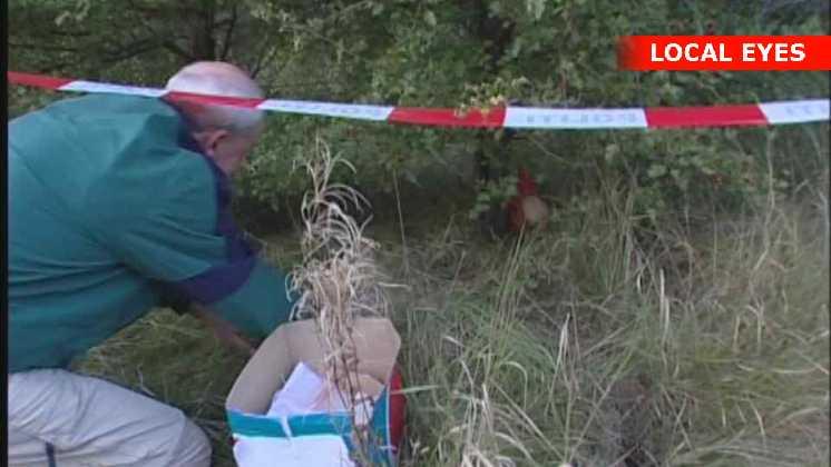 Politiet finder gummimaske med rødt hår