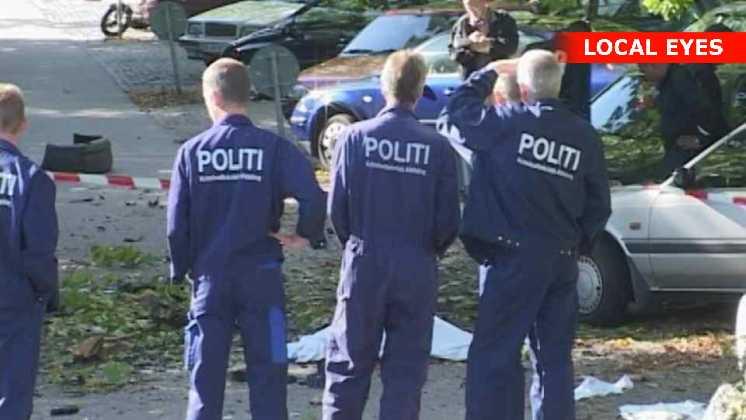 Politi foran den dræbte