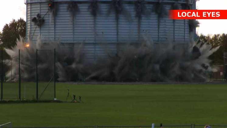 50 kilo sprængstof væltede det 108 meter gamle gastårn