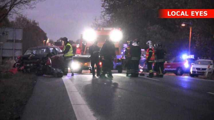 Den overhalende bilist kørte frontalt ind i en modkørende bil