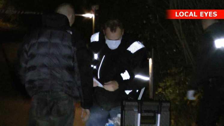 Politiets teknikkere leder efter spor efter gerningsmanden
