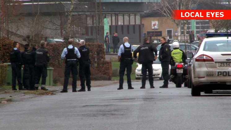 En alarm om skoleskyderi sendte politiet på gaden