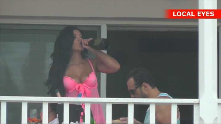 På Bahamas skal man have champagne til morgenmaden